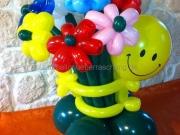 Smiley mit Blumenstrauß aus Luftballons