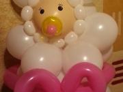 Baby aus Luftballons