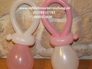 Kleine Schnuller aus Luftballons