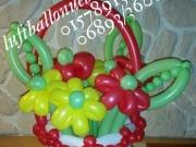 Blumenkorb aus Luftballons