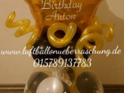 Geschenk im Ballon mit persönlicher Aufschrift und Aufkleber
