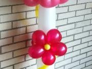 Säule aus Luftballons