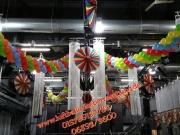 Girlande aus Luftballons, Faschingsdekoration mit Luftballons