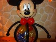 Große Mickey Mouse aus Luftballons