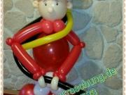Feuerwehrmann aus Luftballons