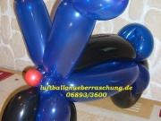 Großer Motorrad aus Luftballons
