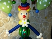 Zirkusclown mit Luftballons