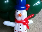 Schneemann aus Luftballons